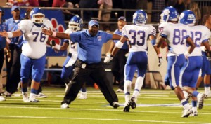 Panthers dominate in 51-13 victory over Midlothian, look to upset Mansfield