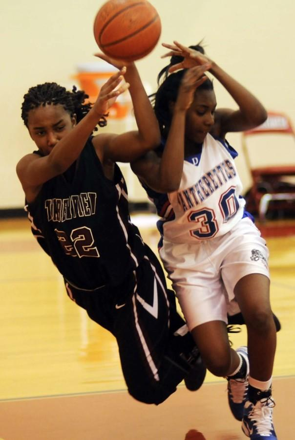 The+sub-varsity+girls+basketball+teams+finished+their+season+strong+looking+to+move+to+the+next+level+of+play.+%28Keria+JInks+photo%29