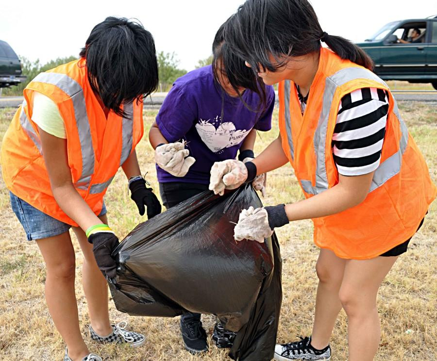 Photos%3A++Student+Council+Highway+Cleanup