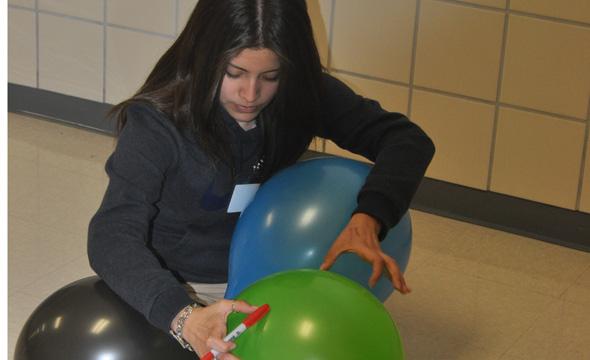 Stinnett holds universe modeling lab