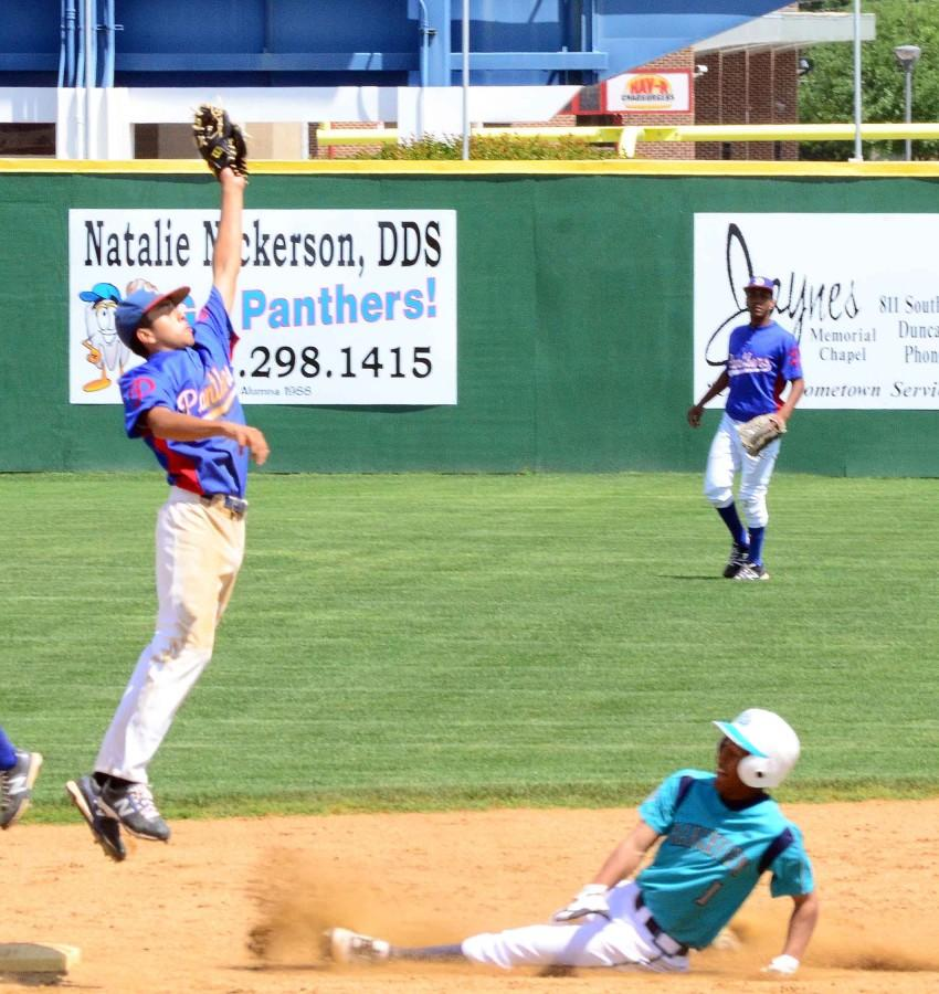 Varsity+baseball+vs.+Creekview