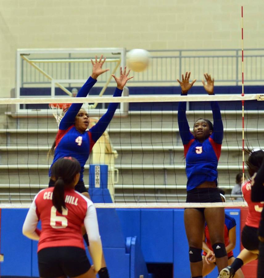 Photos%3A+Varsity+Volleyball+vs+Cedar+Hill
