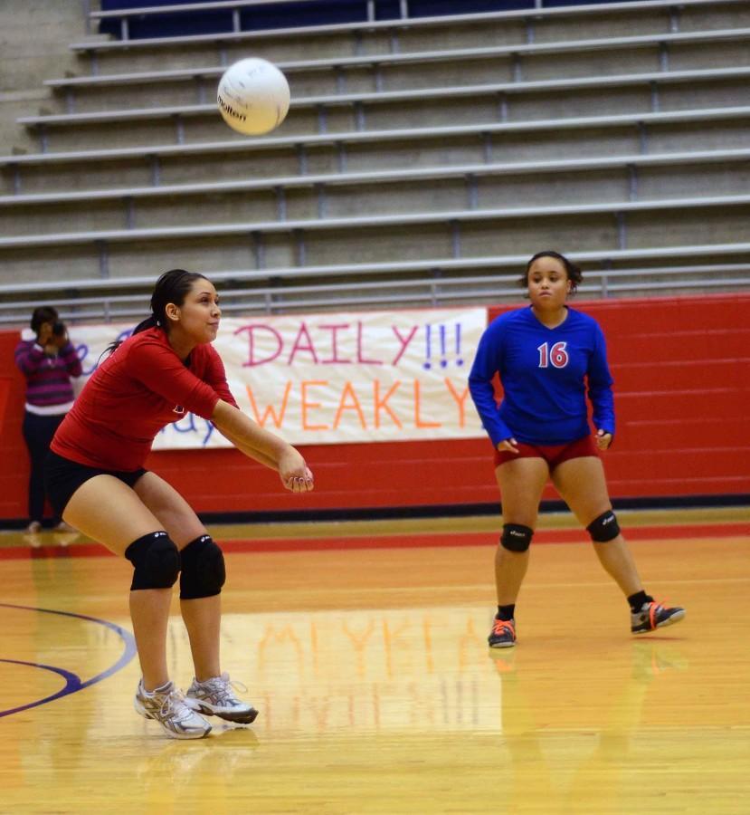 Photos%3A+JV+Volleyball+vs+Mansfield