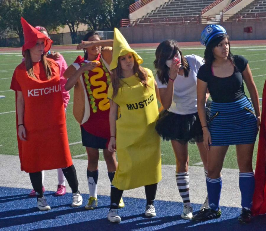 Photos%3A+Soccer+Costume+Scrimmage