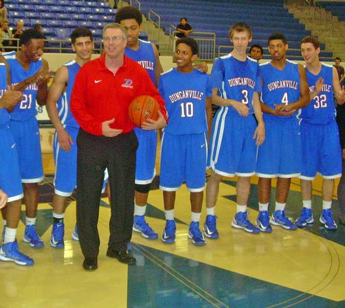 Henderson+receives+700th+win+behind+first+district+win+in+District+7-5A