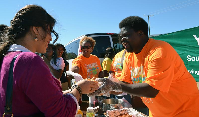 Last+year+over+200+students+turned+out+for+the+Young+Life+hot+dog+social.+%28Cherokee+Polk+photo%29