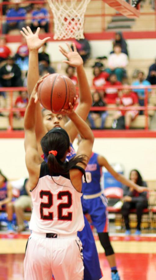 Photos%3A+Varsity+Basketball+Girls+vs.+Cedar+Hill+