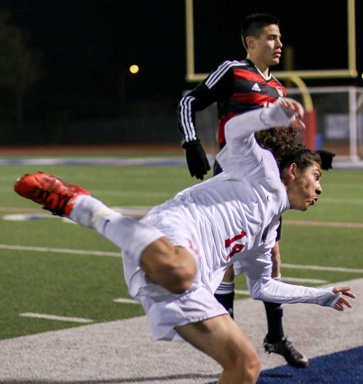 Photos%3A+Varsity+Soccer+Boys+vs.+SGP
