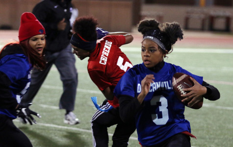 Powder Puff entertains all with competition, cheerleading