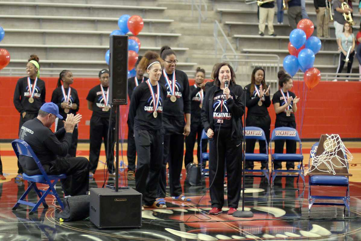 The Pantherettes were welcomed home by parents, fans and teachers after their 6A State Championship. (Trevon McWilliams photo)