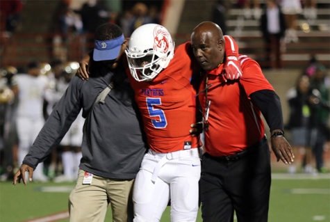 Panthers lose to Desoto, senior quarterback Jaylin Nelson out for season