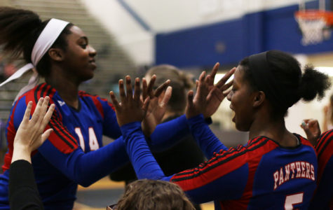 Varsity Volleyball falls to Allen