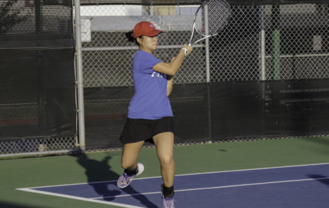 Dville Tennis breaks a sweat at regionals
