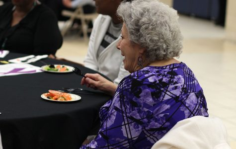 Cancer survivors enjoy cancer awareness banquet