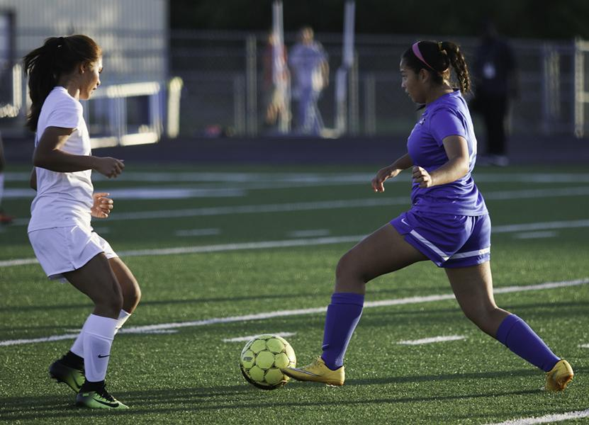 The+girls+soccer+team+defeated+Copperas+Cove+1-0+advancing+to+the+second+round.+%28Reece+Rodriguez+photo%29