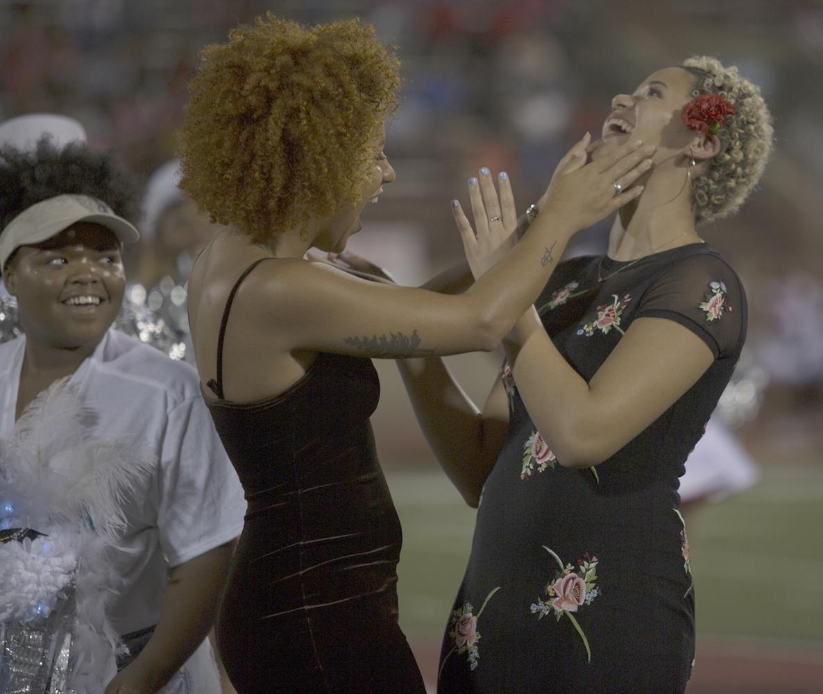 Kayle Bowens and her sister react to her being named 2017 Homecoming Queen. Brenda Arana photo.