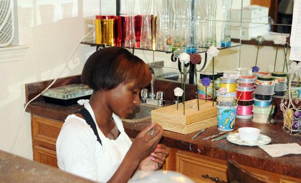 Flower Girl: Freshman creates innovative home business