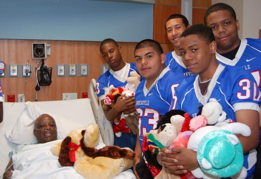 Football+team+stuffed+animal+charity+event