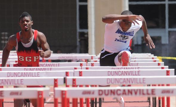 Boys Track heads to Regional meet