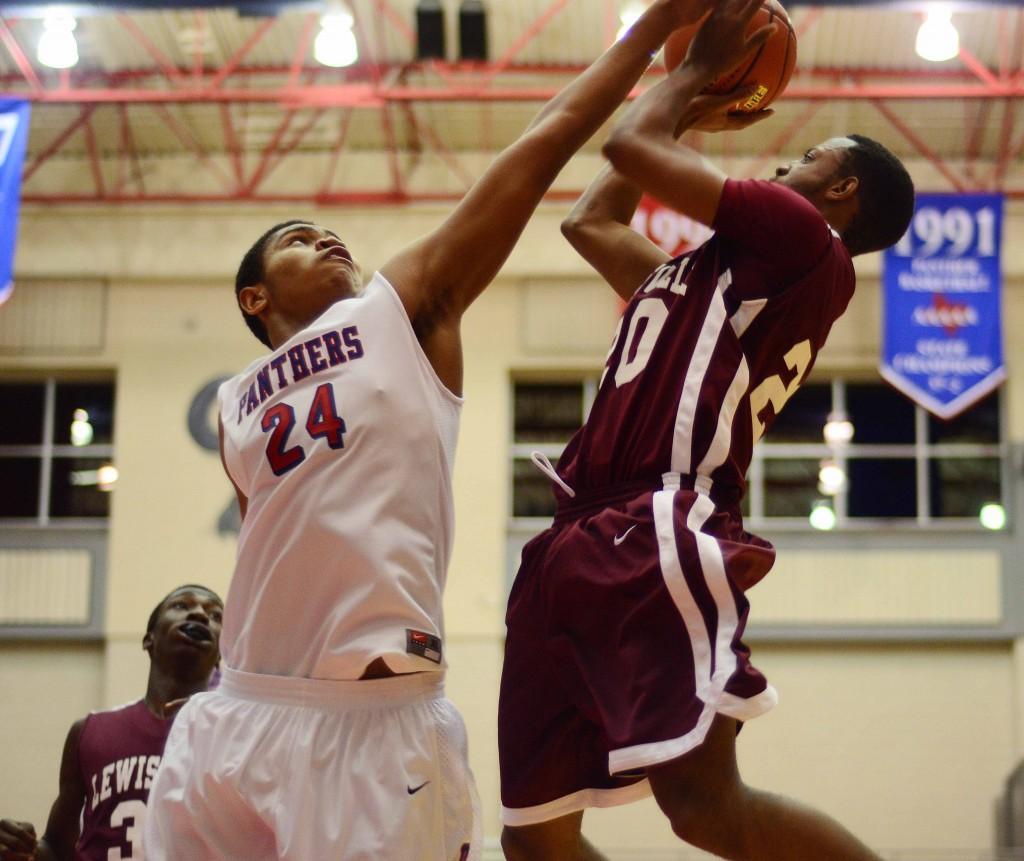 Photos%3A+Boys+Varsity+Basketball+vs.+Lewisville