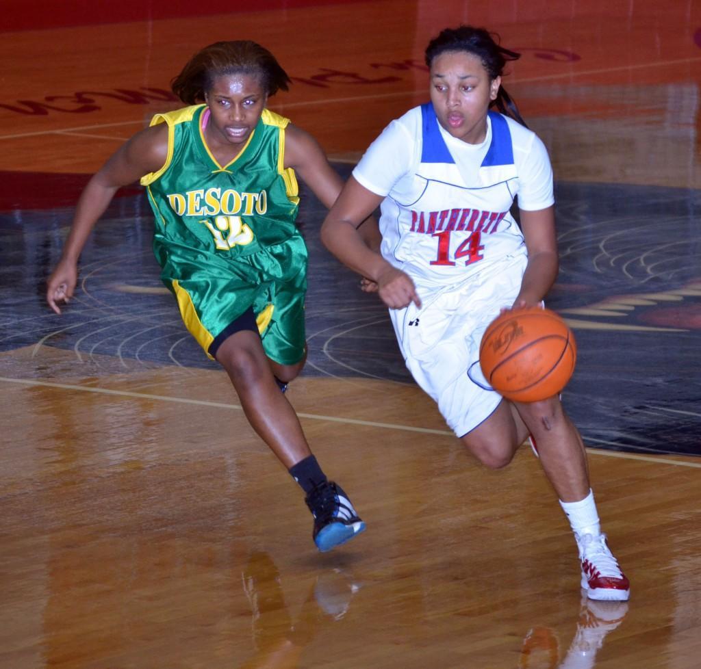 Photos%3A+JV+girls+basketball+vs.+DeSoto