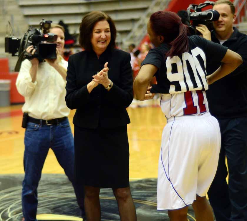 Coach+Cathy+Self-Morgan+celebrates+win+number+900+during+2013+season.+%28Tricia+Virtue+photo%29