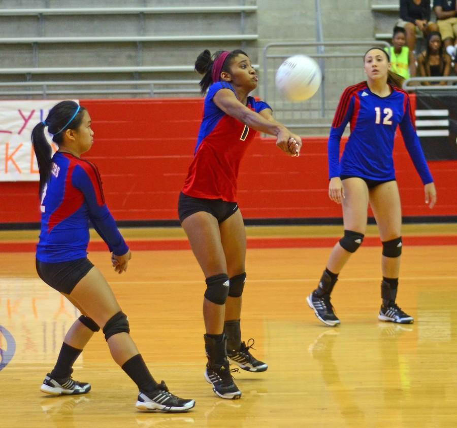 Photos%3A+Varsity+Volleyball+vs.+Desoto