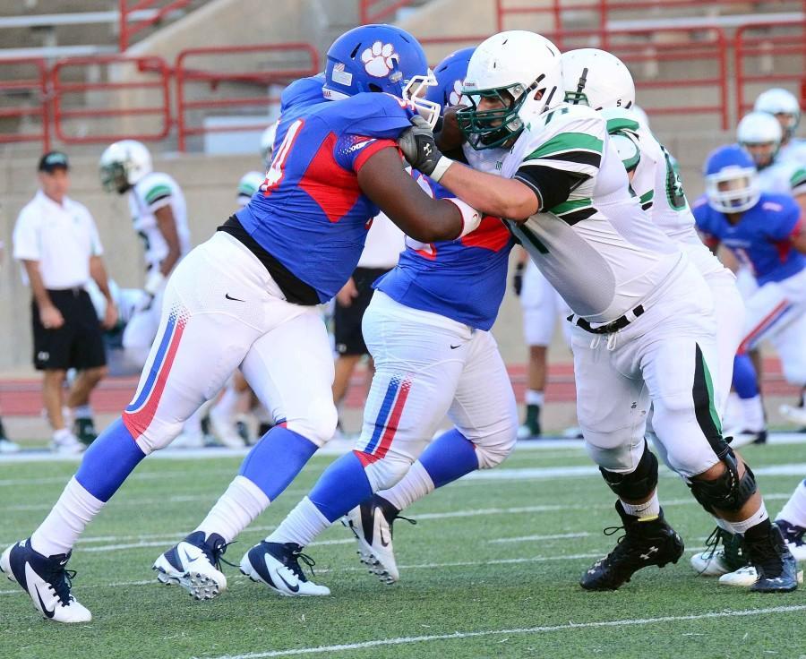 Photos%3A+Varsity+Football+Scrimage+vs.+Southlake