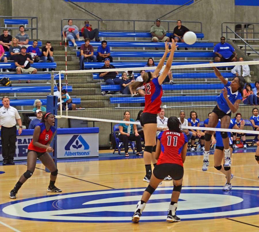 Photos%3A+Varsity+Volleyball+vs+GP
