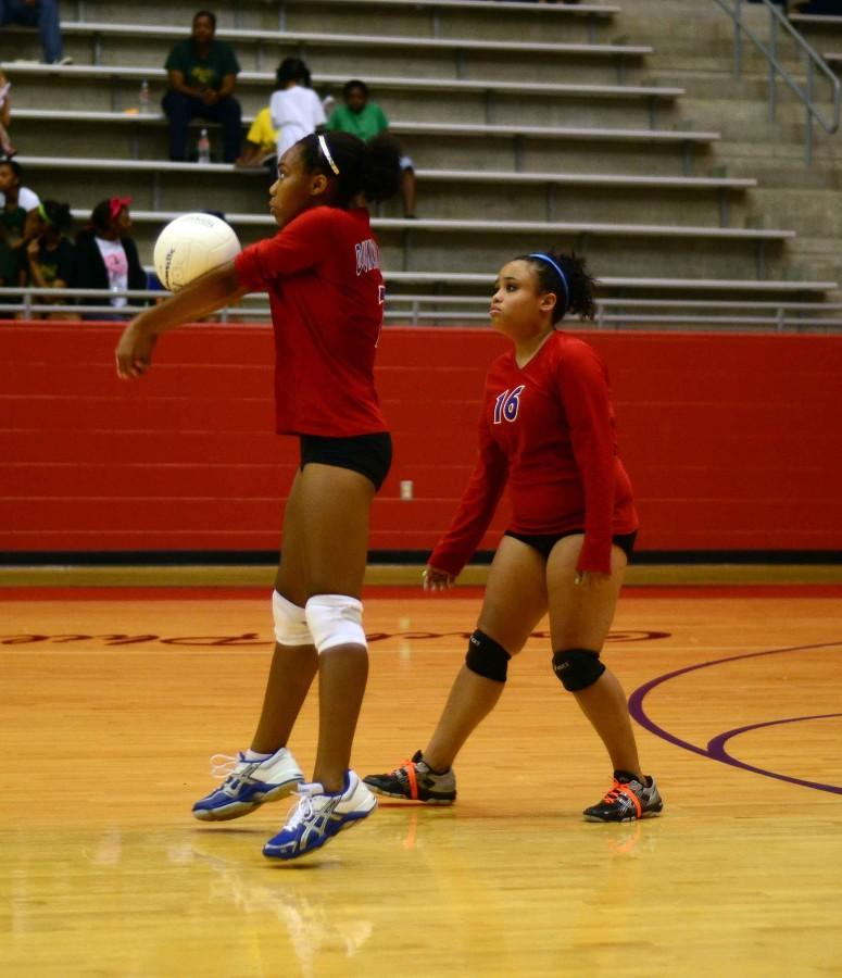 Photos%3A+JV+Volleyball+vs.+Desoto