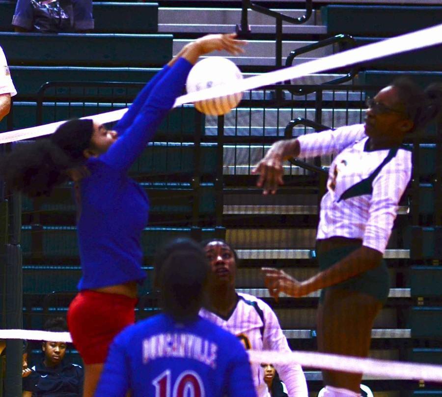 Photos%3A+JV+Volleyball+vs+Desoto