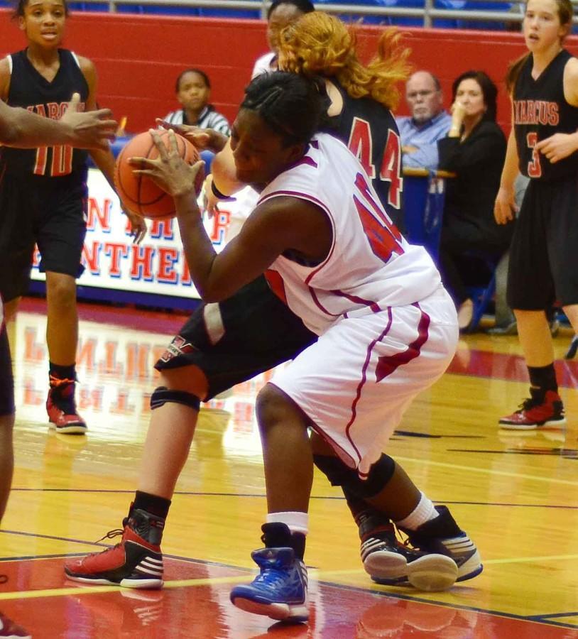 Photos%3A+JV+Girls+Basketball+vs+Marcus