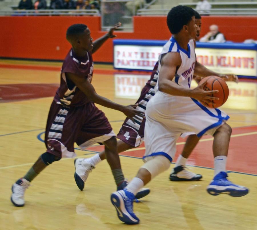 Photos%3A+Varsity+Boys+Basketball+vs+Mesquite