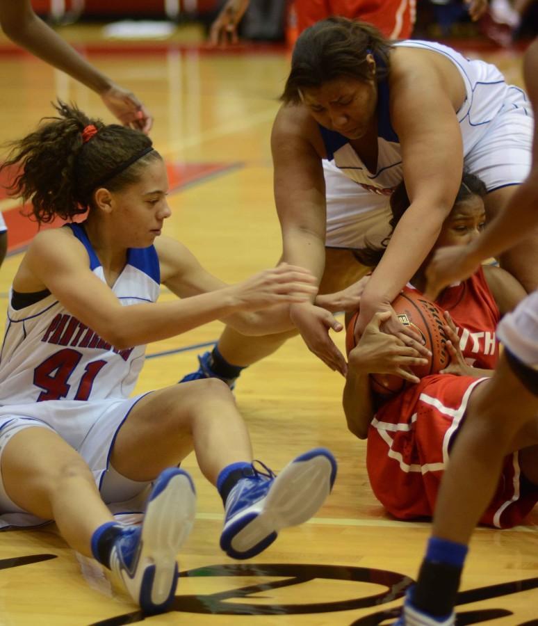 Photos: Varstiy Girls Basketball vs SGP