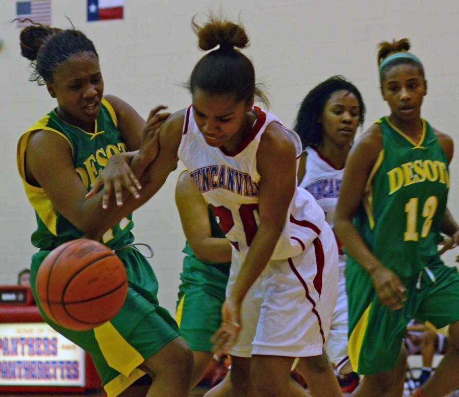 Photos%3A+Girls+JV+Basketball+vs+DeSoto