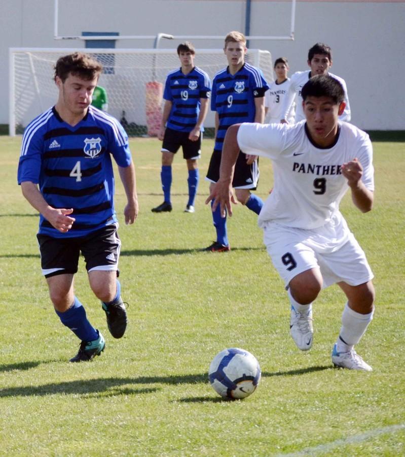 Photos%3A+Varsity+Boys+Soccer+vs+Midlothian+