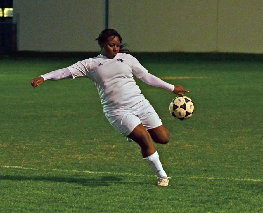 Leenolia Robinson_ Varsity girls soccer vs. Desoto_2-15__2149