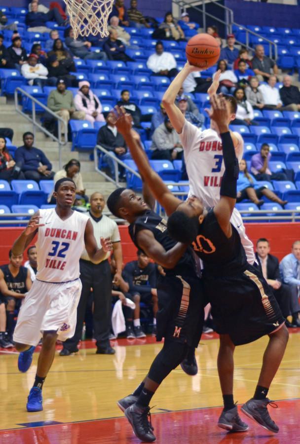 Photos: Varsity Boys Basketball vs. Mansfield