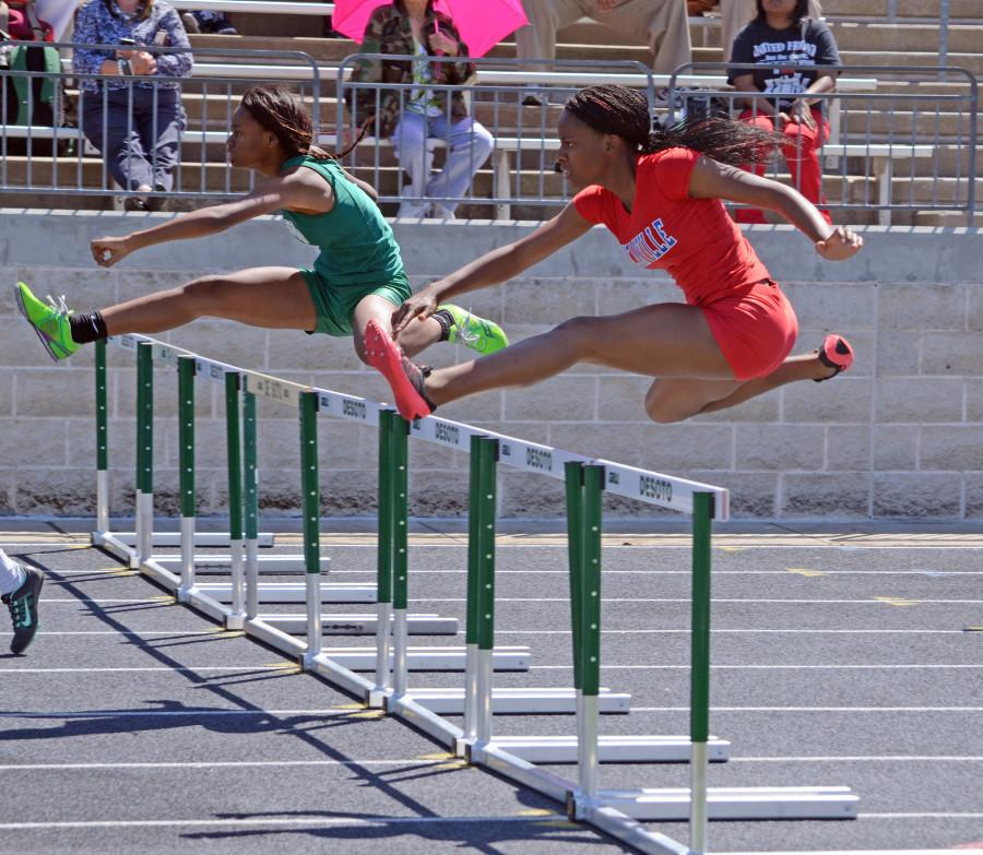 Video%3A+Track+team+sprints+to+wins+at+District+7-5A+meet
