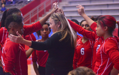 Volleyball falls in tough matches sits at 1-2 in district
