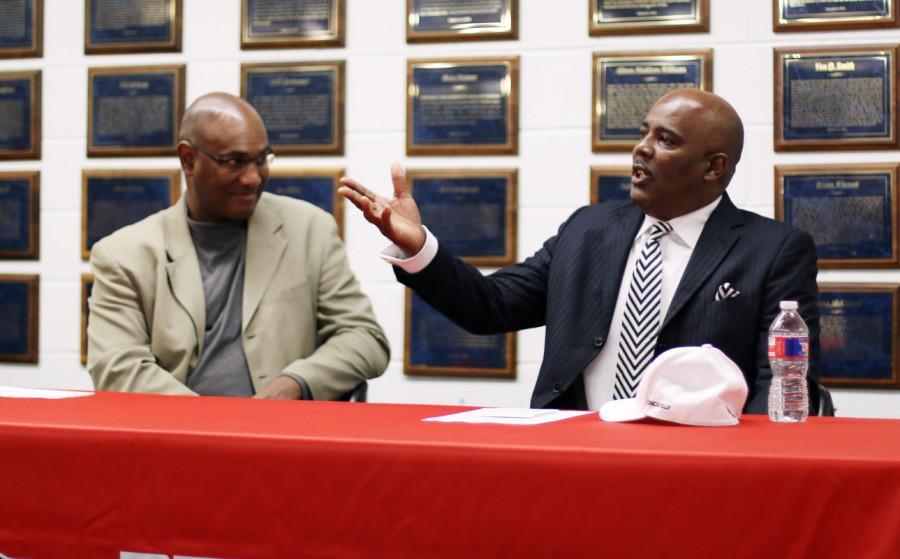 Former Skyline coach Reginald Samples named as new head football coach