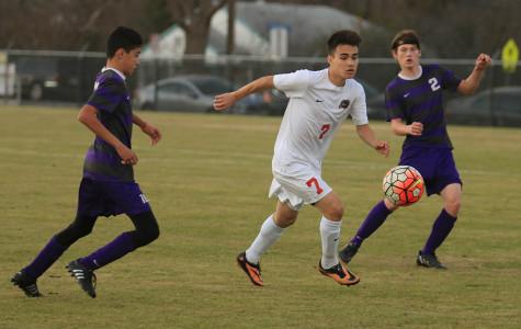 Boys varsity soccer defeats Bonham Warriors to open Duncanville Classic