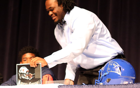 Football players sign to their college