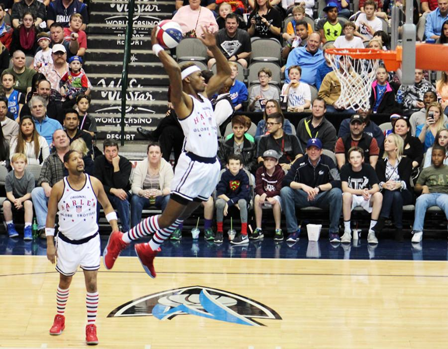 Devane+Carter+Viper+is+now+known+for+his+high+flying+dunking+abilities+on+the+Harlem+Globetrotters.+After+playing+for+the+Panthers+he+went+on+to+play+for+Tarleton+State+where+the+Globetrotters+took+notice+of+his+talent.+%28Tomica+Charles+photo%29