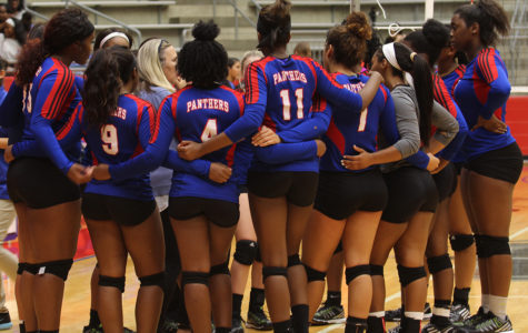 Varsity Volleyball wins against Irving