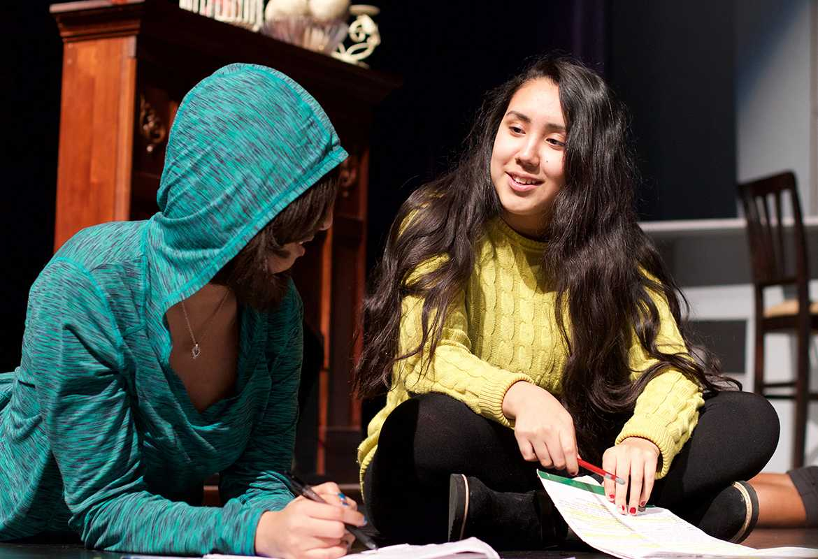 Seniors Ayana Reed and Atziri Zubiri practice their parts in the UIL One Act play. ( Photo by Karen Gaytan )