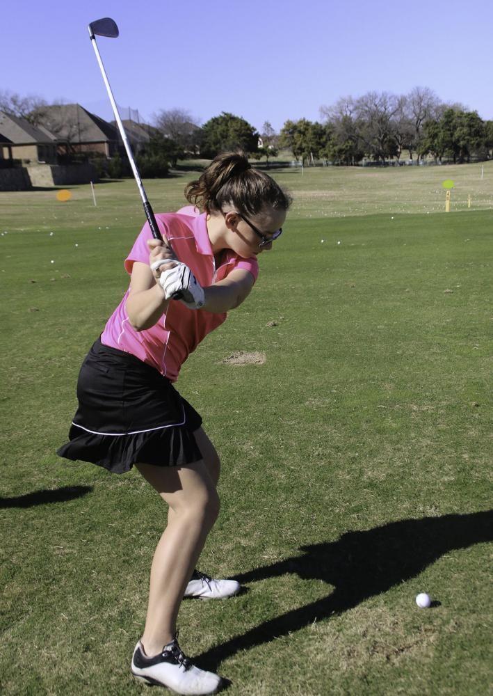 Golf competes at Regionals