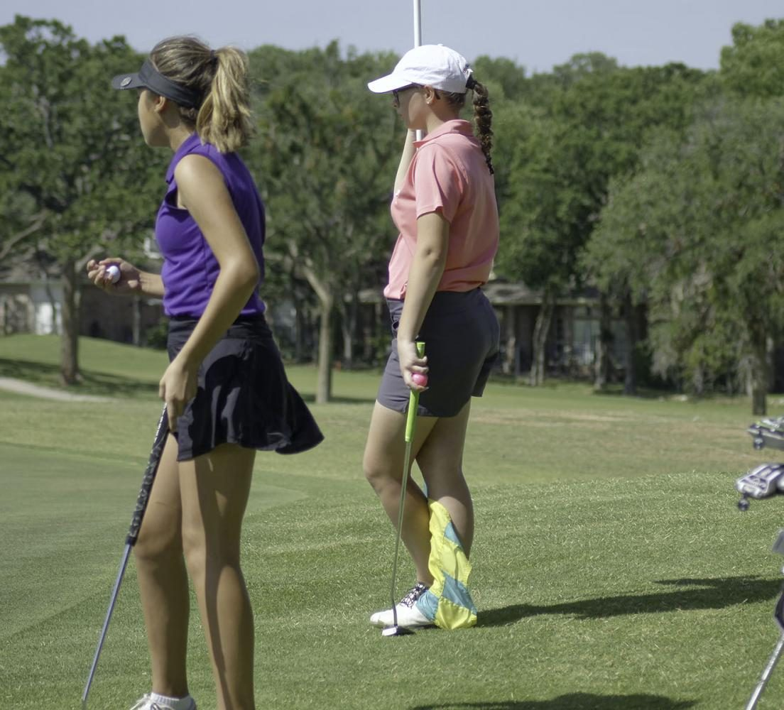 Freshman+girl+golfer+first+to+advance+to+Regional+Tournament++in+over+16+years