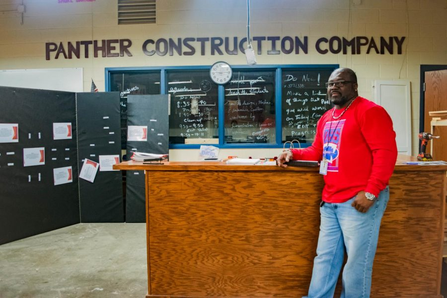 Teacher+Of+The+Week%3A+Mr.+Johnson%27s+Constructions+Class+at+Work%21