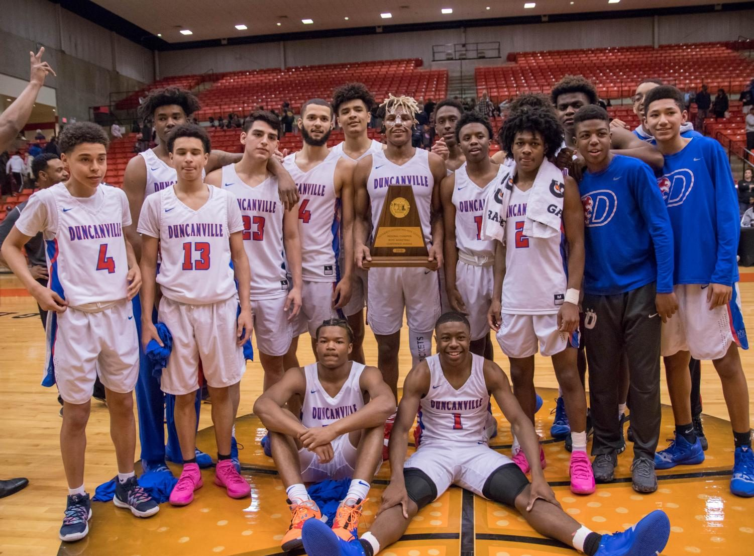 Duncanville captures the Region 1 title and advances to state.